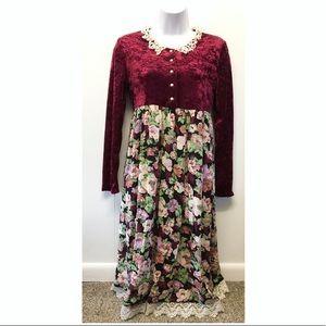 Vintage velvet Long Sleeve Holiday Dress w Crochet